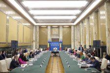 Lista miniştrilor remaniaţi – Membrii Guvernului s-au reunit la Palatul Victoria după ceremonia de la Cotroceni