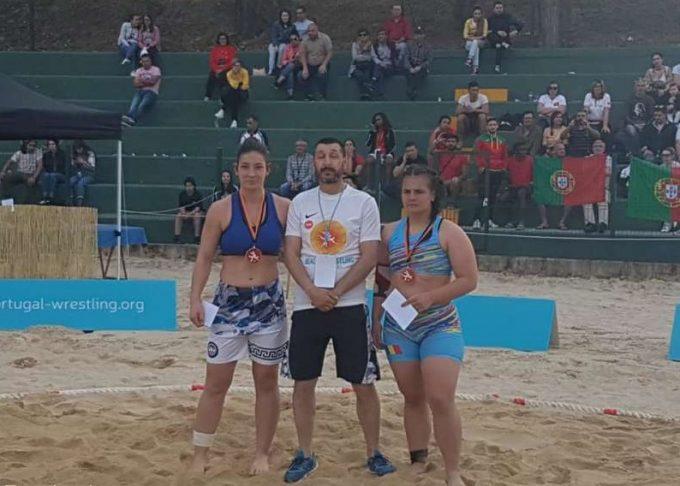 Lupte pe plajă: Trei medalii de aur pentru România, la turneul de la Chaves (Portugalia)