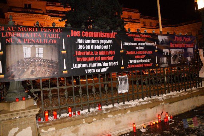 Mărieş: Dosarul Revoluţiei este făcut prost de procurori; victimele să ceară şi milioane de euro, pentru că merită