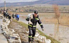 MAI: Se mai resimt efecte ale inundaţiilor în 36 de localităţi din 13 judeţe