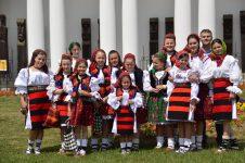 """Maramureş: 500 de tineri în costume populare la deschiderea evenimentului """"Zilele Maramureşului – Haida, hai în Maramureş"""""""