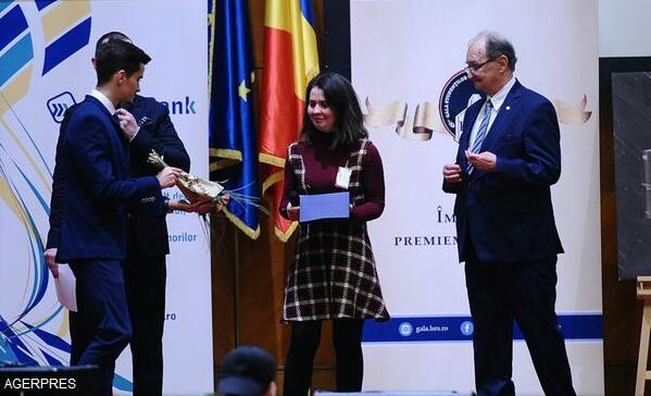 marele-premiu-pentru-o-studenta-din-spania-liga-studentilor-romani-din-strainatate-a-premiat-excelenta-in-educatie-la-palatul-parlamentului-2