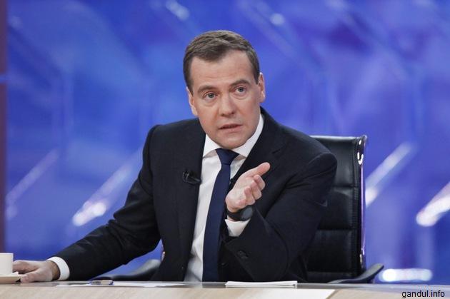 Medvedev acuză Ankara de protejarea Statului Islamic