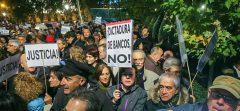 Miles de personas muestran su indignación contra el Tribunal Supremo