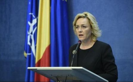 Ministrul Carmen Dan anunță că va fi suplimentat personalul de la Direcția de Pașapoarte