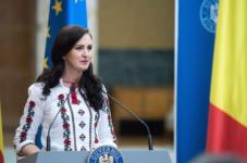 Ministrul Natalia-Elena Intotero efectuează o vizită în Spania