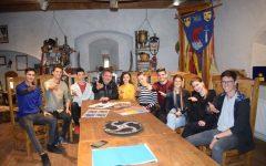 """Mureş: Elevii Colegiului Naţional """"Unirea"""", pregătiţi să doboare recordul mondial cu cel mai mare tablou"""