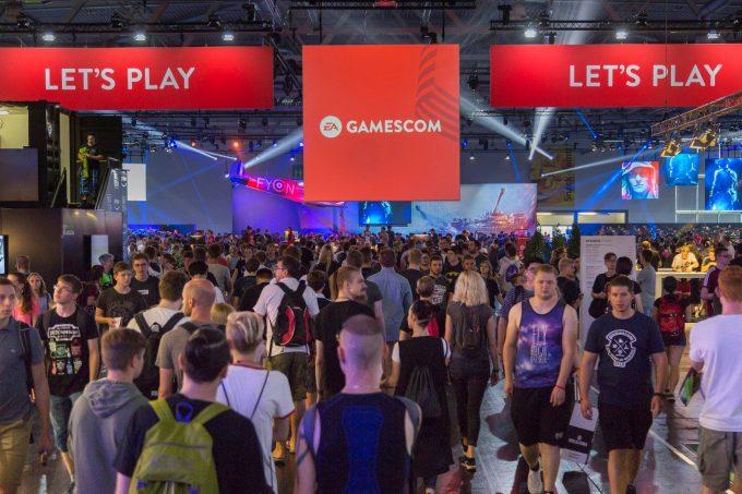 Nouă dezvoltatori români de jocuri video au participat la târgul internaţional Gamescom din Germania