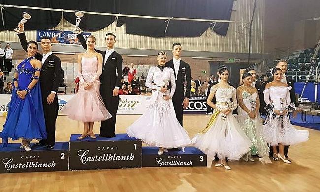 Numeroase-medalii-europene-obținute-de-dansatorii-sportivi-români-la-Cambrils-în-Spania-24-26-martie-1
