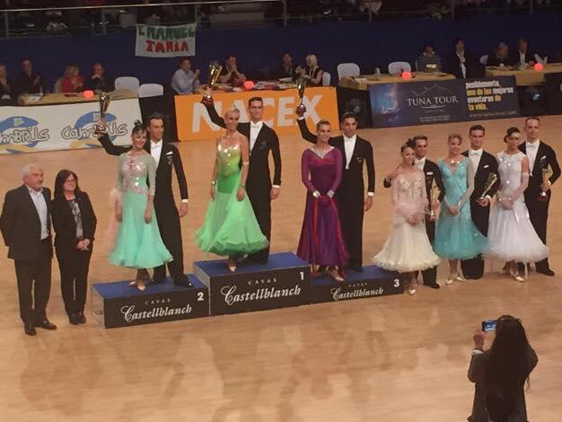 Numeroase-medalii-europene-obținute-de-dansatorii-sportivi-români-la-Cambrils-în-Spania-24-26-martie-2