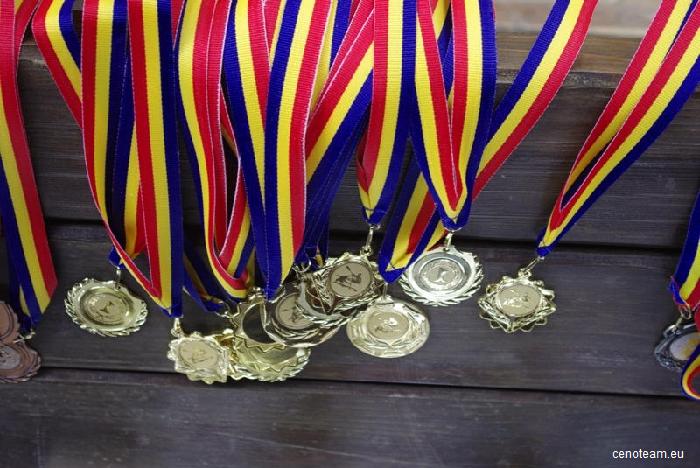 Opt medalii câștigate de studenți bucureșteni la o competiţie internaţională de marketing în Spania