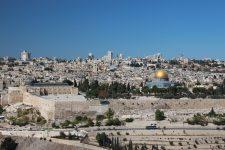 Palestinienii îi vor cere Ligii Arabe să boicoteze ţările care îşi mută ambasada la Ierusalim