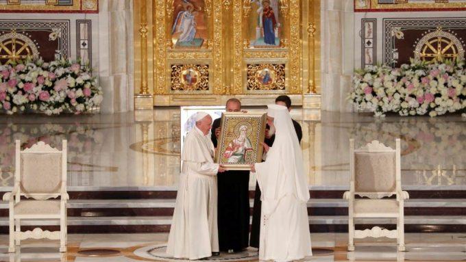 """Papa a Sínodo Permanente Ortodoxo: """"Juan Pablo II allanó el camino del diálogo"""""""
