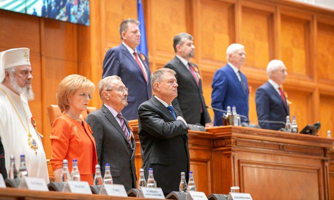 Parlament - şedinţă solemnă/Iohannis: Marea Unire a deschis calea reformelor, modernizării şi dezvoltării