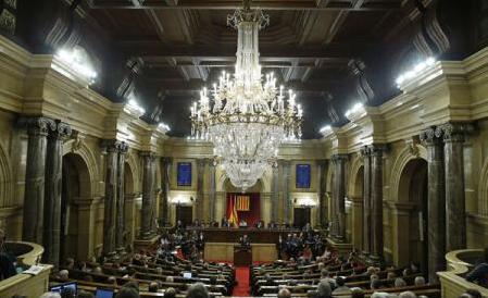 Parlamentul Cataloniei a început ședința la care dezbate moțiunea de autoproclamare a independenței