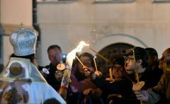 Patriarhul Daniel: Învierea Mântuitorului Iisus Hristos – începutul Învierii tuturor oamenilor; suntem făclii de Înviere
