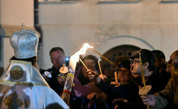 Patriarhul Daniel: Învierea Mântuitorului Iisus Hristos - începutul Învierii tuturor oamenilor; suntem făclii de Înviere