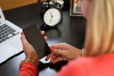 Pericol pentru sănătate: Află cum să folosești telefonul pentru a nu te îmbolnăvi