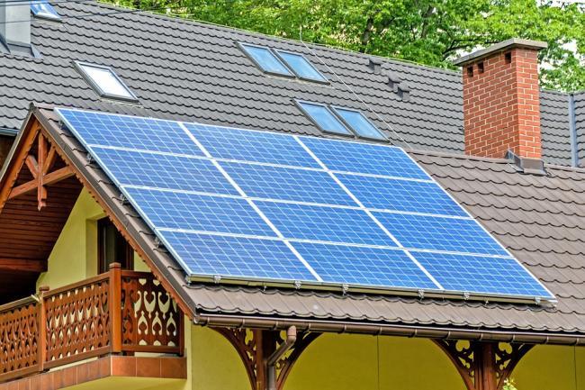 Persoanele fizice și juridice pot depune dosare pentru finanțare în programul 'Casa Verde', din octombrie
