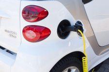 Peste 2.800 de maşini electrice şi hibrid, comercializate în 2017 în România