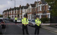 Poliția britanică recunoaște că se confruntă cu o activitate teroristă în creștere și arestează aproape zilnic suspecți de terorism