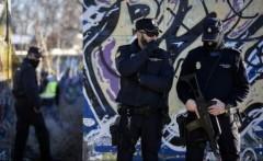 Poliția spaniolă arestează doi posibili jihadiști și confiscă muniție de Kalașnikov