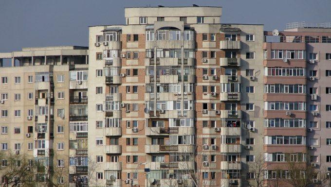 Preţul locuinţelor a crescut mai mult în România decât în UE, în trimestrul patru din 2017