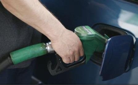 Prețul carburanților în România continuă să depășească media europeană, însă avem cele mai mici taxe