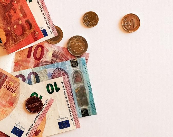 Precizări MFP cu privire la amenzile de la 50 la 100 lei pentru românii din străinătate
