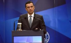 Premierul Grindeanu îl felicită pe Horia Colibășanu: Tenacitatea ta e un exemplu pentru noi toți