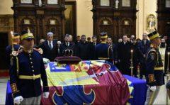 Premierul Tudose: Regele Mihai I va rămâne în memoria românilor un simbol al demnității și nobleții