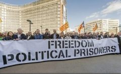 Primarii catalani scandează la Bruxelles 'libertate' pentru 'prizonierii politici'