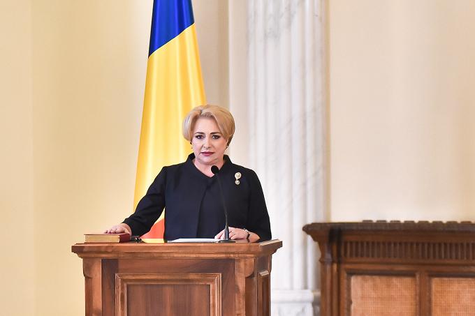 """Rajoy felicita primera ministra Dancila. La comunidad rumana en España, """"un sólido puente"""" entre ambos países"""