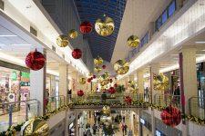 Raport: 42% dintre români cheltuie mai mult decât ar trebui în perioada Crăciunului
