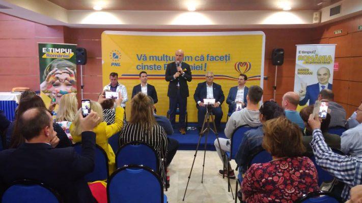 Rareș Bogdan și Robert Sighiartău, candidații PNL la alegerile europarlamentare, s-au întâlnit cu românii din Spania, la Madrid