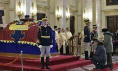 Regele Carl al XVI-lea Gustaf și regele Juan Carlos I – prezenți la funeraliile regelui Mihai I