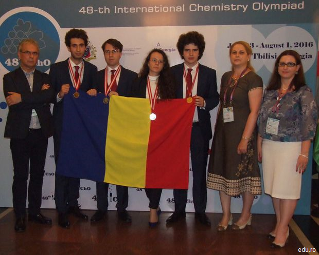 România-Locul-I-în-Europa-la-Olimpiada-de-Chimie-trei-medalii-de-aur-și-una-de-argint