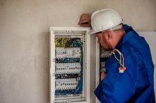 Românii au cele mai puţine contracte de muncă nesigure din Uniunea Europeană