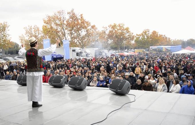 romanii-din-comunitatea-madrid-au-petrecut-la-un-festival-dedicat-zilei-nationale-a-romaniei
