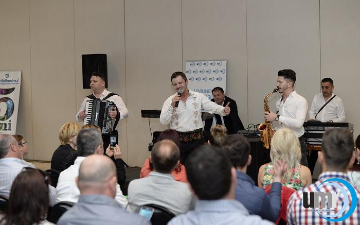 Românii din Spania și-au cântat dorul de țară într-un concert extraordinar cu Tinu Vereșezan