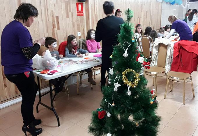sarbatori-de-iarna-romanesti-prezentate-intr-un-eveniment-pentru-copiii-romani-din-arganda-del-rey-4
