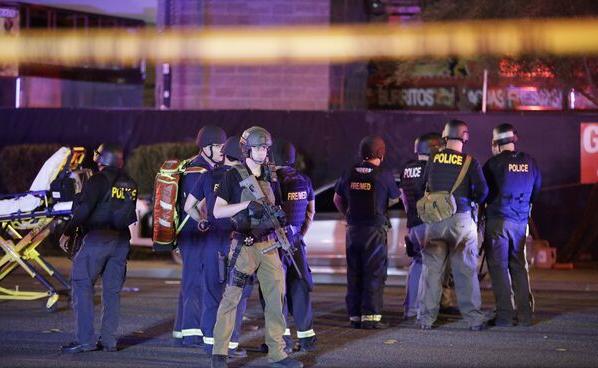 SUA: Cel puțin 50 de morți și peste 200 de răniți în atacul armat de la Las Vegas