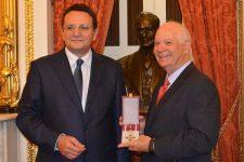 SUA: Ridicarea vizelor pentru români, discutată de ambasadorul George Maior cu senatorul Ben Cardin