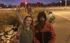 SUA: Un om al străzii și-a schimbat total viața cu un simplu gest. Tu ai fi făcut ca el?