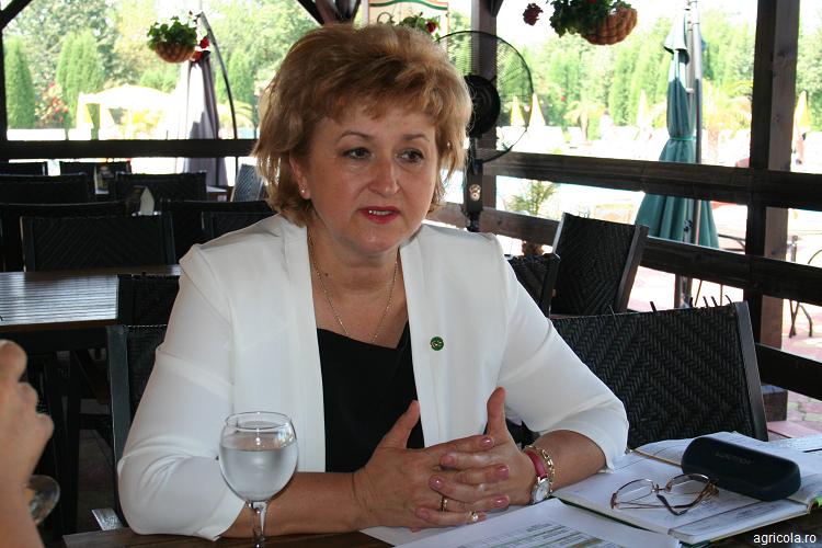 Salamul-de-Sibiu-AGRICOLA-Numărul-1-în-România-Angelica-Smil-Director-SALBAC