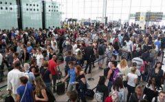 Spania: Guvernul trimite Garda Civilă pe aeroportul din Barcelona în timpul grevei agenților de securitate