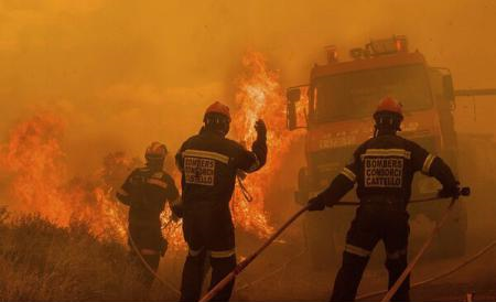 Spania: Incendiul de vegetație dintre Valencia și Castellón continuă, 1.000 de hectare de pădure fiind afectate