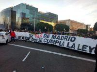 Spania: Poliţia a intervenit împotriva taximetriştilor aflaţi în grevă la Madrid împotriva Uber