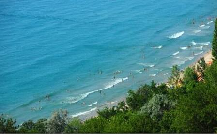 """Spania este """"destul de plină"""", turiștii se pot orienta spre Bulgaria și Republica Capului Verde (TUI)"""