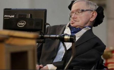 Stephen Hawking: Tehnologia ne poate transforma viața, dar trebuie să știm cum să o ținem sub control